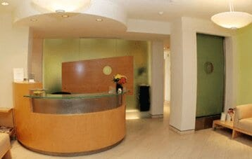 The Front Desk Of The Weight Loss Surgery Center Of Los Angeles In Beverly Hills Interior View